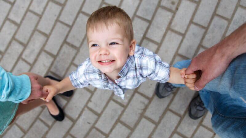 Права внебрачных, усыновленных и неродных детей