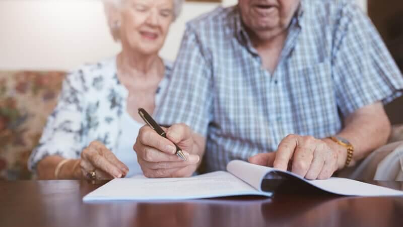 Как правильно переписать завещание на другого человека