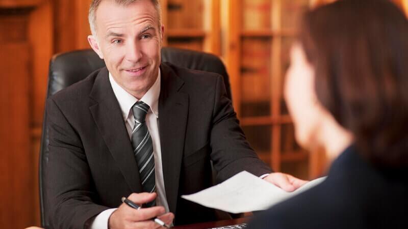 В чем заключается помощь адвоката при вступлении в наследство